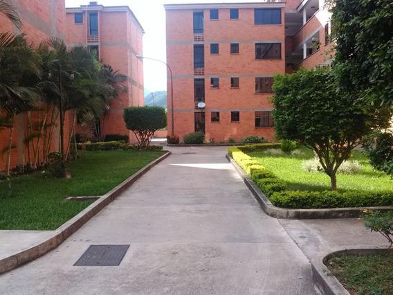 Ofrece En Venta Cómodo Apartamento En Las Trinitarias Iii