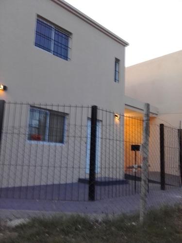 Casa Nueva 2 Plant  2 Hab  Cochera Parilla Parque Alarma