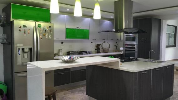 Casa En Venta La Viña Valencia Carabobo 20-8044 Prr