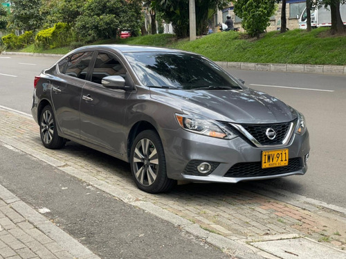 Nissan Sentra Full Exclusive 1.8