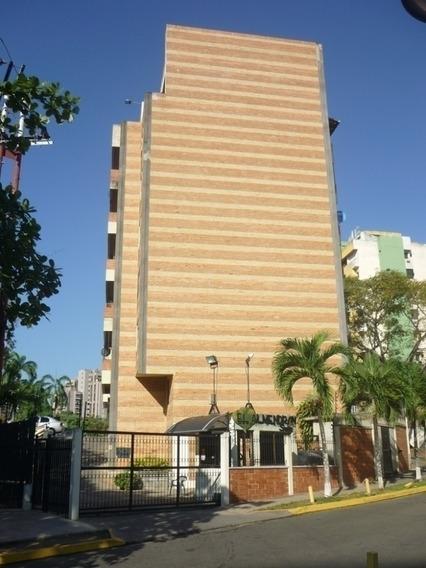 Apartamento En Alquiler, Campo Alegre, Valencia, Carabobo.