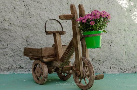 Lindo Triciclo Para Jardim Feito Com Paletes.