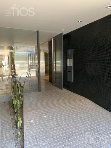 Venta-departamento -dos Dormitorios-cochera- Microcentro-