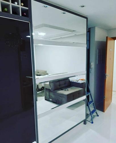 Imagem 1 de 5 de Serviços E Instalações De Vidros E Esquadrias Em Geral