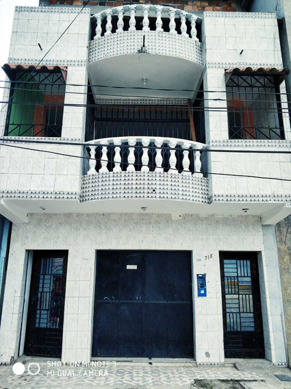 Muy Buena Oportunidad Casa De Tres Plantas En Remate