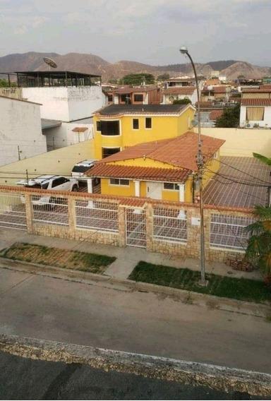 Casa En Venta La Mantuana Turmero / Roxana 04243339669