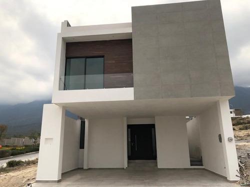 Casa Venta En Santoral Ii, Dominio Cumbres
