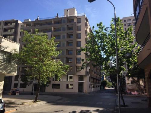 Imagen 1 de 6 de Lindo Departamento Lira 211 Santiago