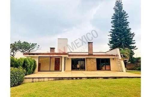 Casa Sola En Venta, Zona Norte, Cuernavaca Morelos.