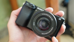 Câmera Sony A6000 - Lente 16-50mm
