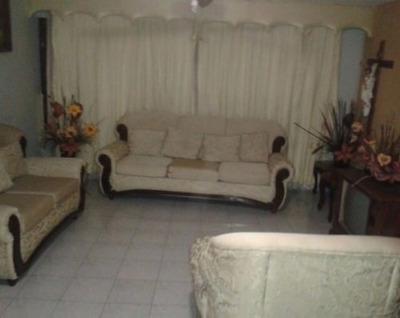 Preciosa Casa En Renta, 5 Recámaras, Colonia Santa Mónica