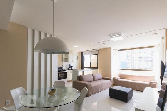 Apartamento No 4º Andar Mobiliado Com 2 Dormitórios E 2 Garagens - Id: 892954566 - 254566
