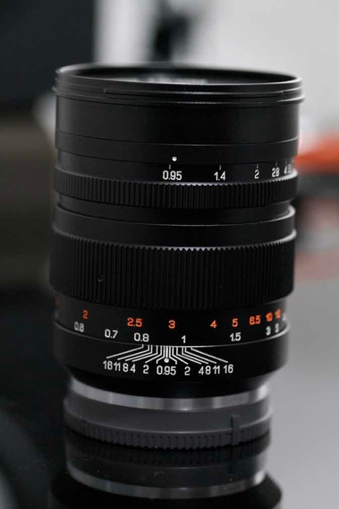 Lente Zhongyi Mitakon Speedmaster 50mm F/0.95 Sony E Fullfra