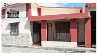 Casa Económica De Venta En Zona Mixta En Jarabacoa Rmc-152