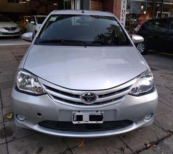 Toyota Etios 1.5 Sedan Xs 2014 Alza Cristales