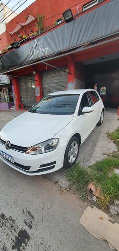 Volkswagen Golf 1.6 Nafta