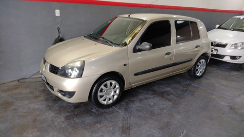 Imagen 1 de 13 de Renault Clio 1.2 Authentique Pack I 75cv 2011