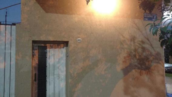 Villa Bosch: Casa De 3 Ambientes Con Patio Y Cochera Descubierta, Cocina Comedor Instalada. En Villa Bosch F: 6954