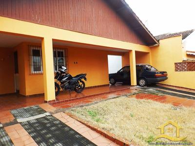Casa No Bairro Samburá Em Peruíbe - Lcc-2291