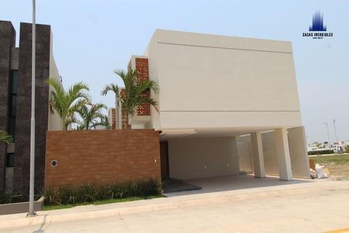 Casa En Venta, Fracc. Palmas, Veracruz, Con Alberca