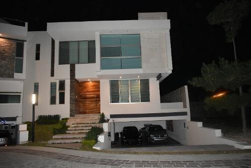 Casa En Venta En La Colonia Puerta Las Lomas, Zapopan