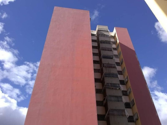 Apartamentos En Venta En Zona Oeste 20-10372 Rg