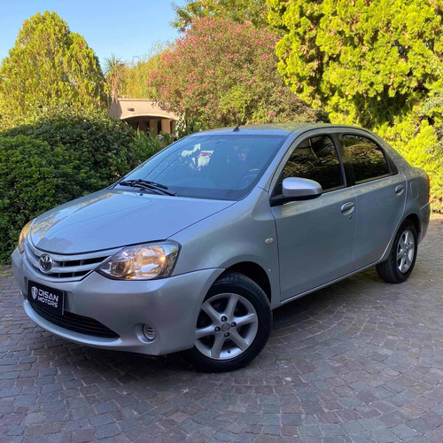 Toyota Etios 2015 1.5 Xs 4 P
