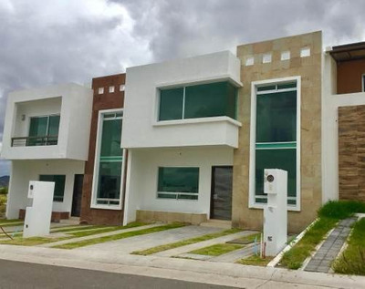 Preciosa Residencia En El Condado, Jardín, 3 Recaras, Sala Tv, Lujo
