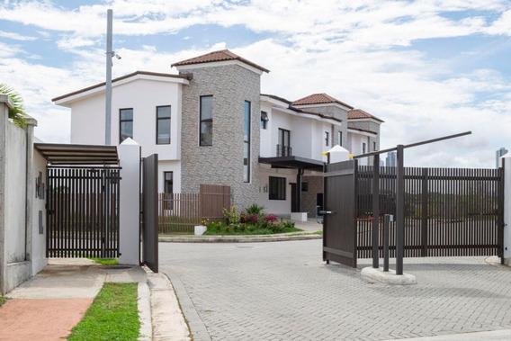 Vendo Casa A Estrenar En Ph Costa Linda, Costa Sur 19-10572