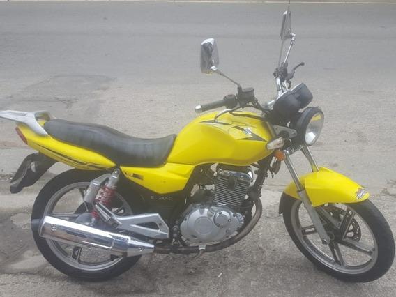 Suzuki Gsr 150i Yes Ano 2013