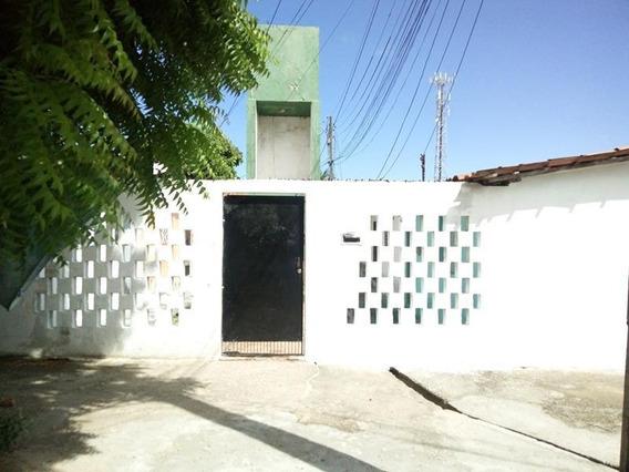 Aluguel Casa Com 2 Quartos, Quintal, Lavanderia