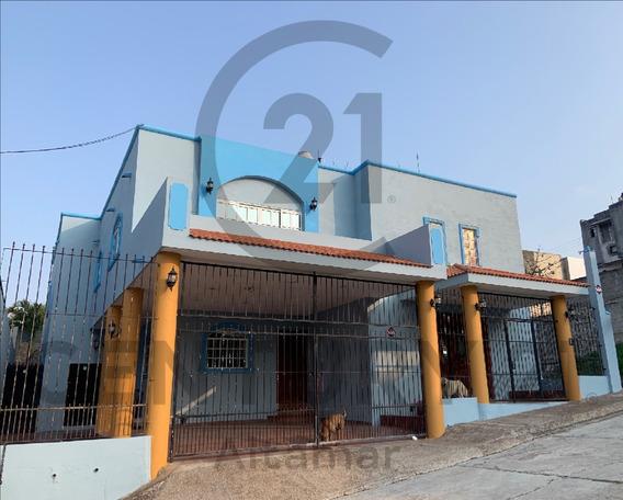 Casa Con Alberca En Venta, Fracc. Tancol 33, Tampico, Tamps.