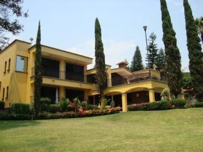 Casa Sola En Lomas De Cortes / Cuernavaca - Ine-95-cs*