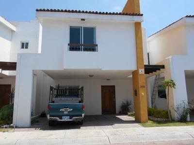 Quetzal - Casa En Renta, Amueblada.