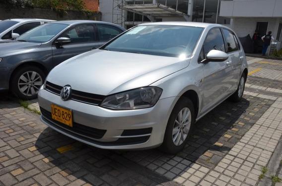 Volkswagen Golf Trendline 1.6 Mec Ueq829
