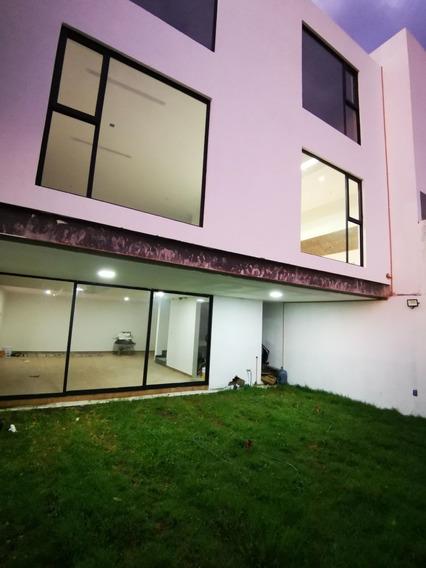 Preciosa Residencia En El Condado, Doble Altura, Sótano, Jardín, Family Room