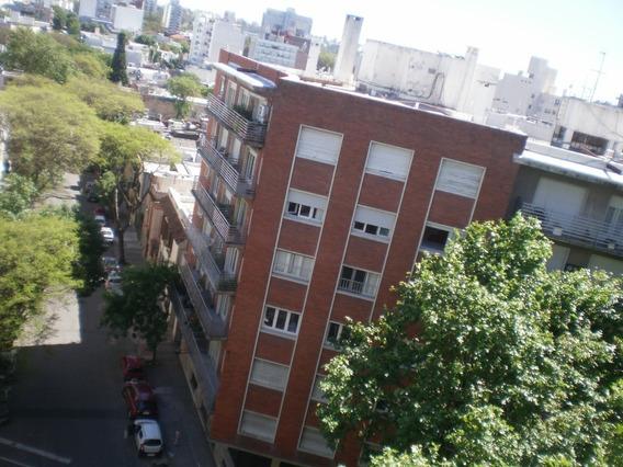 Dueño Avda. Brasil Proximo Libertad Piso Alto Despejado