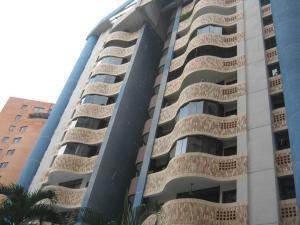 Apartamento En Venta En El Bosque 19-7577 Valencia Valgo
