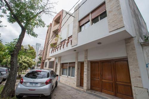 Imagen 1 de 30 de Casa Venta 3 Dormitorios 2 Baños 1 Terraza 2 Cocheras 165mts 2 Totales  - La Plata