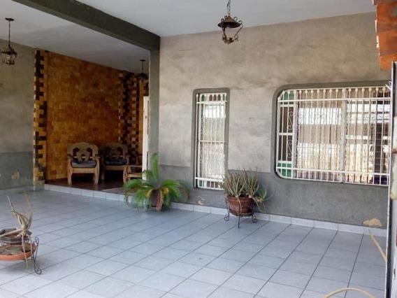 Casa De 196mts2 En Maracay Gbf20-11979