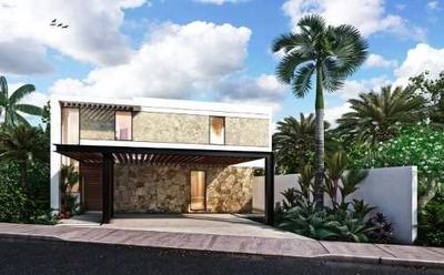 Magnifica Residencia Al Norte De Merida, Alta Plusvalía. Modelo C