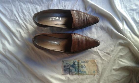 Zapato De Cuero Labrado Marrón N° 38