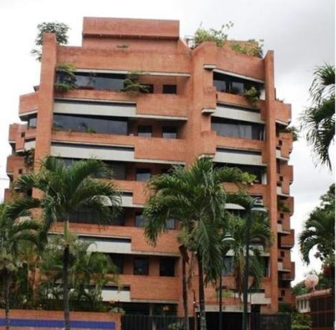 Apartamentos En Alquiler En La Campo Alegre Mls #20-4909 Mj