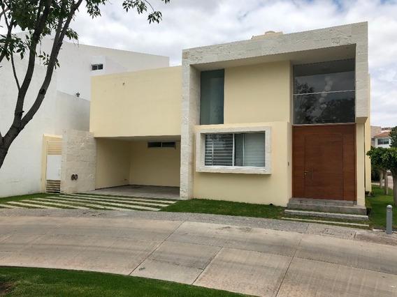 Casa En Renta Pedregal