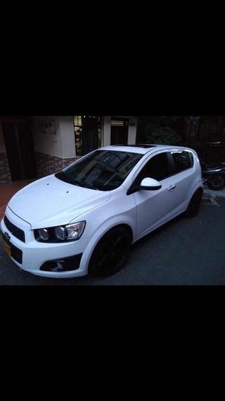 Chevrolet Sonic Hatch Back 1.6 Mt