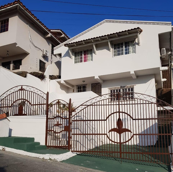 Casa En Venta En Altos De Panama 19-3296hel**
