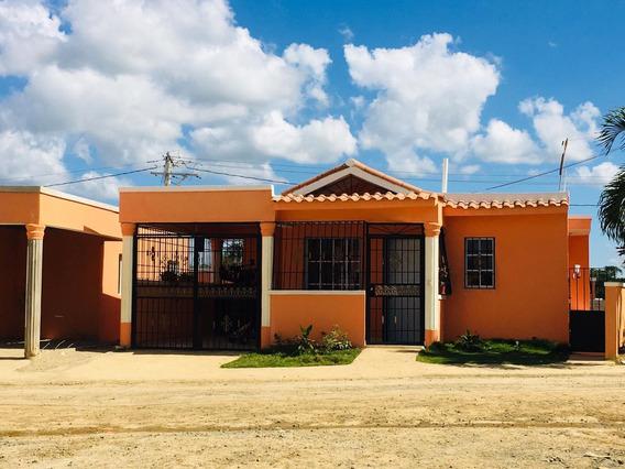 Casa En Villa Mella De 3 Habitaciones En Residencial Cerrado