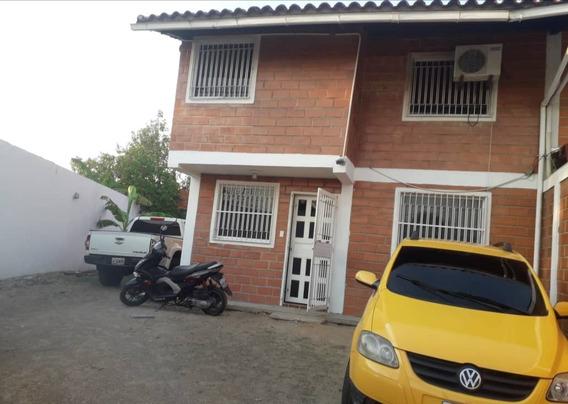 Town House En Los Guayos Paraparal