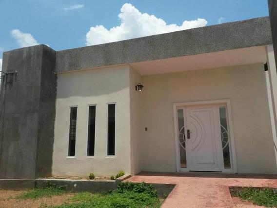 Casa En Alquiler En Maracaibo, Yenitza Machado.
