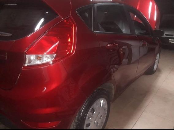 Ford Fiesta Kinetic Design 1.6 Sedan S 120cv 2015